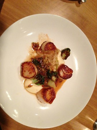 Megg's Cafe:                   Grilled Maine Scallops