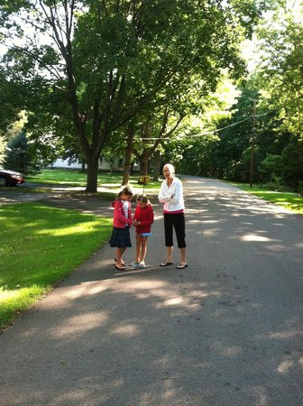 The Savannah House Inn: Taking Stroll With Grandma On Road Less Traveled