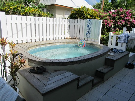 ‪‪Silver Sands Vacation Villas‬: Hot tub to relax in at Nutshell‬