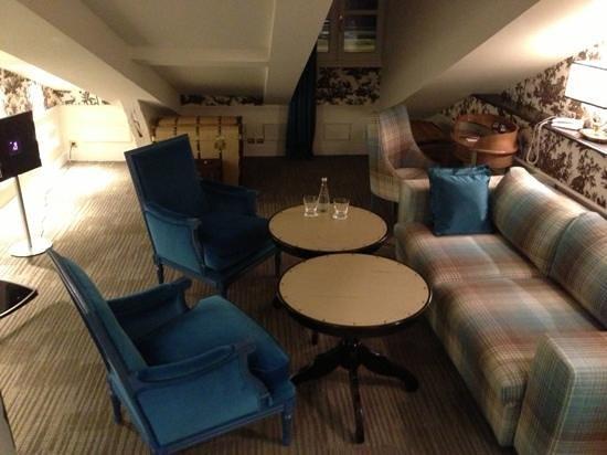 La Maison Favart: le salon
