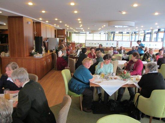 Hotel-Restaurant Grimmingblick:                   Kerstfeest Pensionisten met muziek Fam. Marchner