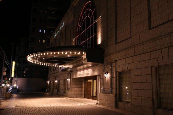 โรงแรมนิกโก้ปริ๊นเซส เกียวโต:                                     ホテルエントランスー夜