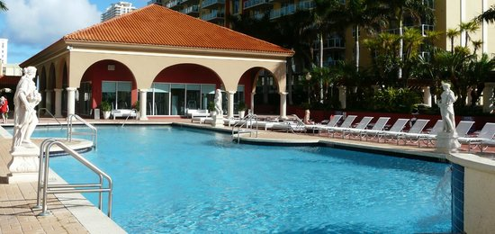 Intracoastal Yacht Club: Pool