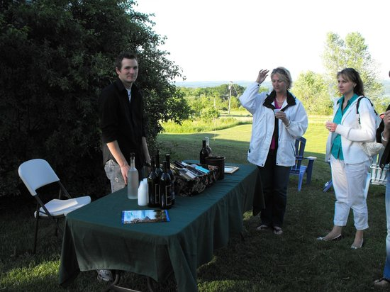 The Savannah House Inn: Private Miles Winery wine tasting at our inn