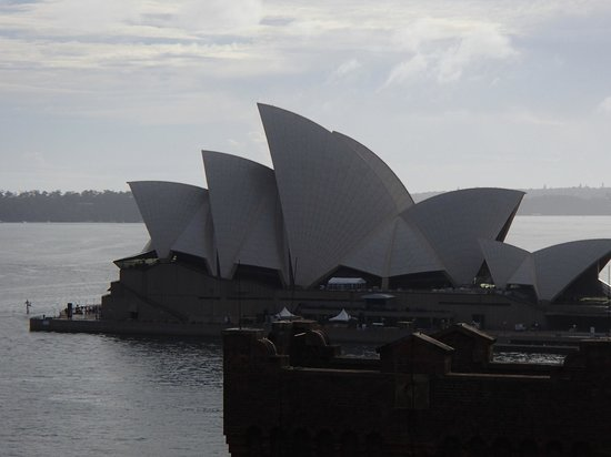 Holiday Inn Old Sydney:                   View of Sydney Opera House from roof top.