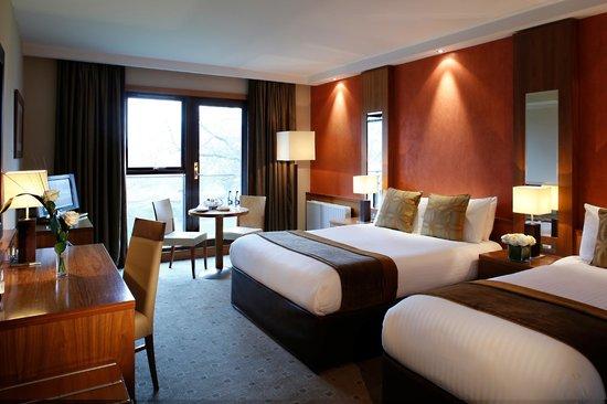 Newpark Hotel: Superior Guestroom
