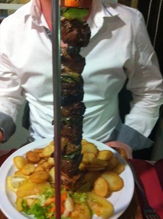 restaurante  A BROA:                   mixed meat kebab - excellent !
