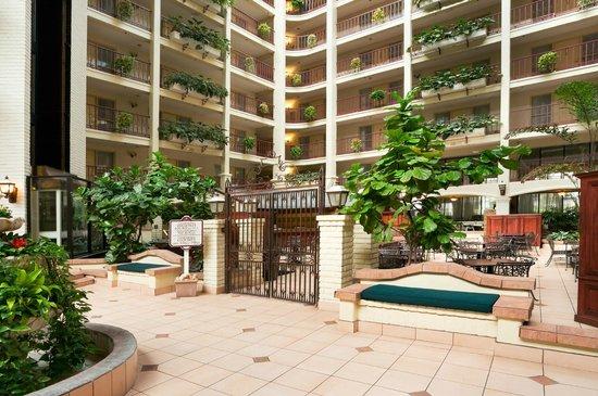 亞凱迪亞帕薩迪納區希爾大使套房飯店照片