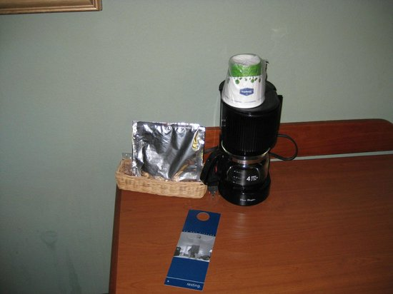 Hampton Inn Winter Haven:                   Coffee maker & supplies (with snack size Milano cookies)