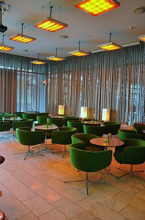 Sofitel Hamburg Alter Wall:                   The Cocktail Lounge