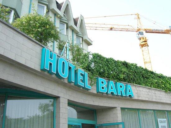 Bara Junior Hotel:                   Esterno