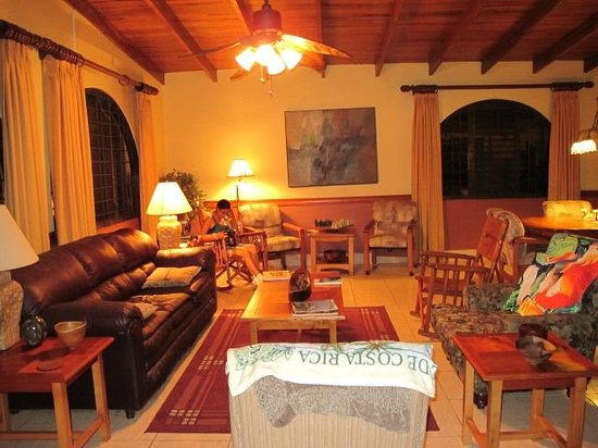 Alegria Bed and Breakfast: Aleria Hangout area