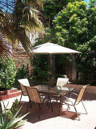 Hostal Casa Gaia : Jardín