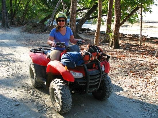 Hotel Raratonga :                   rented ATV