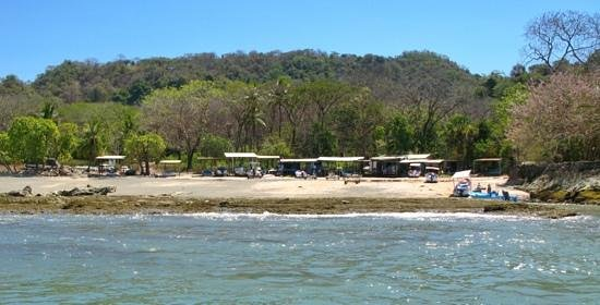 Hotel Raratonga:                   fisherman at the south of Malpais