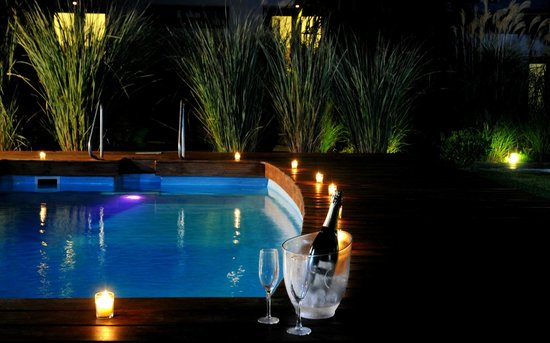 El Capullo: pool at night