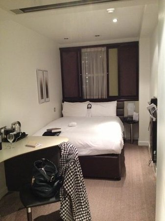Corus Hotel Hyde Park London: my bedroom