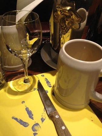 Le Canterbury :                   mug of Jupiler, Belgian crown jewel.