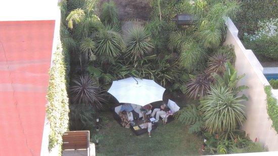 Fierro Hotel Buenos Aires:                   Kleine, tropische Gartenanlage