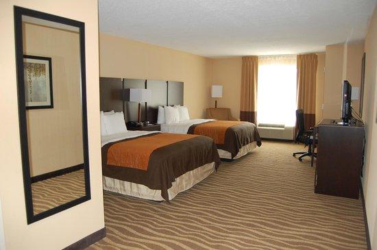 Comfort Inn & Suites Lexington Park: Queen Bedded Room
