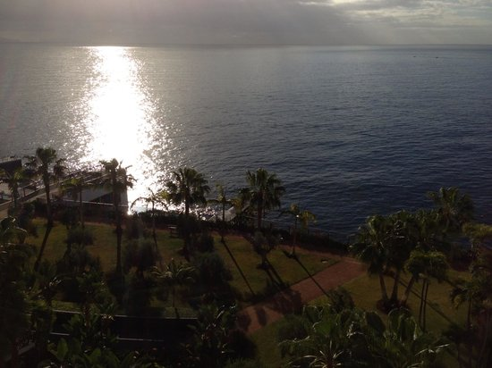 VidaMar Resort Hotel Madeira:                   View from balcony
