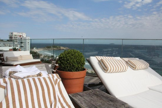 Hotel Fasano Rio de Janeiro: View of Pool and Ocean