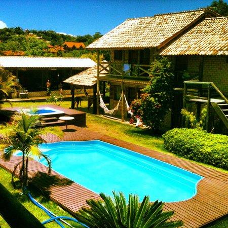 Hotel Praia Do Rosa:                                                       Vista da janela do meu quarto