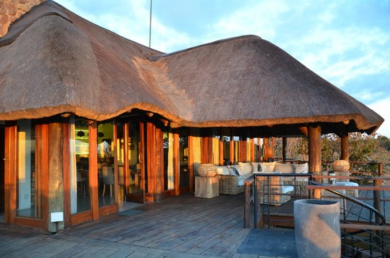 Mhondoro Game Lodge: Lodge main area