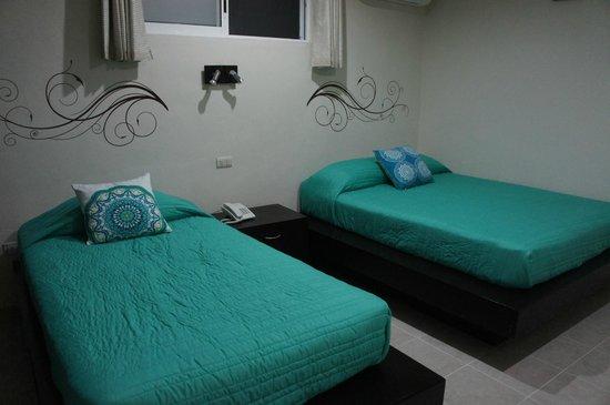 Moloch Hostel y Suites : Suite doble