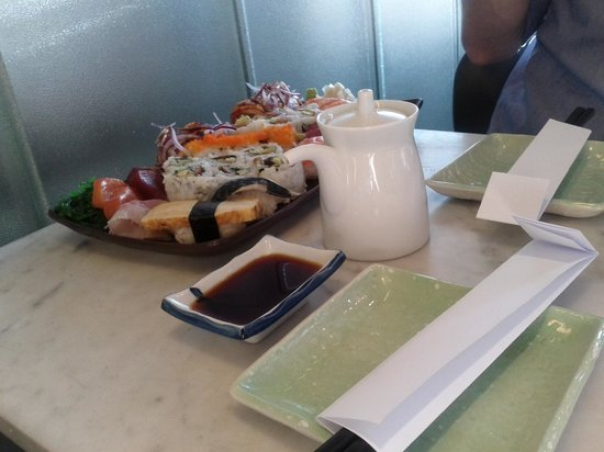 Ikimasu:                   party menù da 50 euro (composto da due piatti)