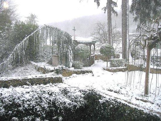Moulin De Pine : Gloriette sous la neige