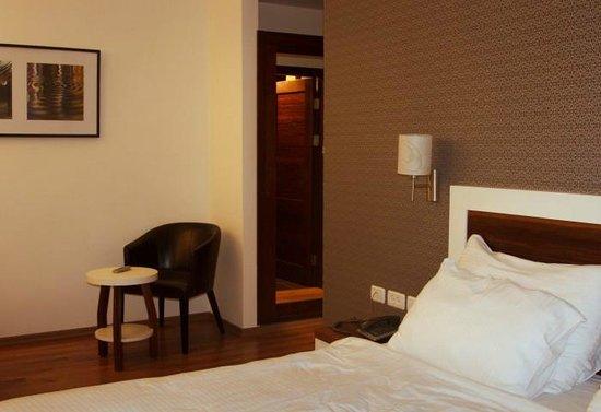 Emily's Hotel:                   Room