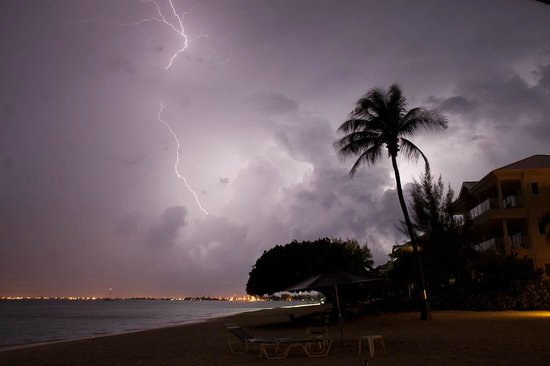 Casa Caribe: Cool Thunderstorm after sunset