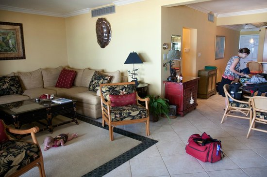 Casa Caribe: The spacious lounge