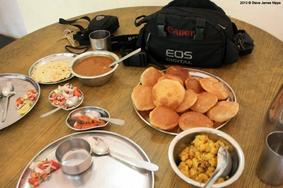 Hotel Woodlands Matheran:                   The yummy lunch!
