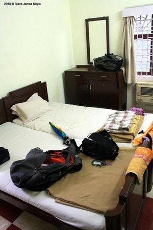 Hotel Woodlands Matheran:                   The room - take 2