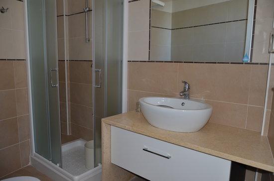 Bagni completamente ristrutturati - Foto di Hotel Mirage, Milano ...
