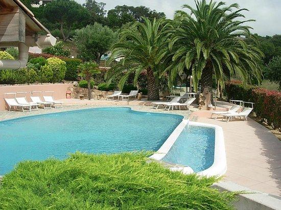 DOMAINE SAN SEBASTIANO : piscine