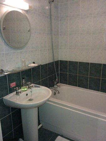 Townhouse Hotel:                   Bathroom