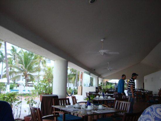 Emporio Ixtapa: Breakfast area