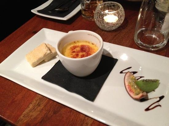 Sinclair's Steakhouse :                   Passions crème brulee, ett roligt alternativ!