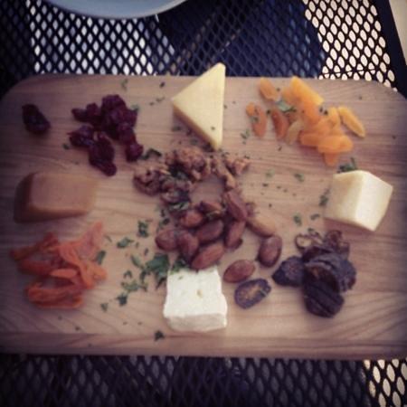 Plaza Bistro: cheese plate! fabulous
