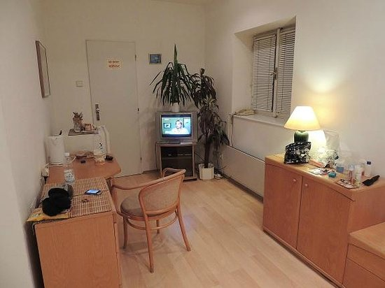 Apartment Narodni No. 17 : Double room, fourth floor.