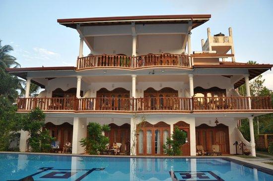 Panchi Villa:                   отель