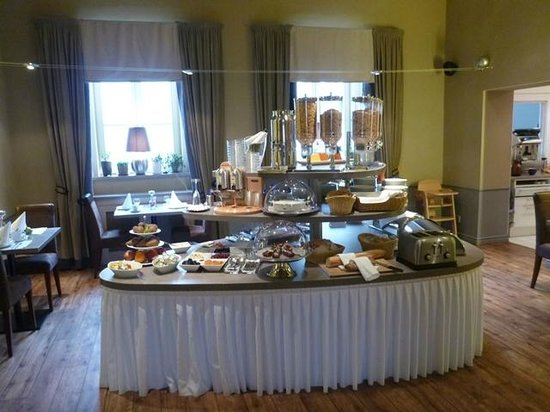 Unitas Hotel:                   Breakfast Room 2
