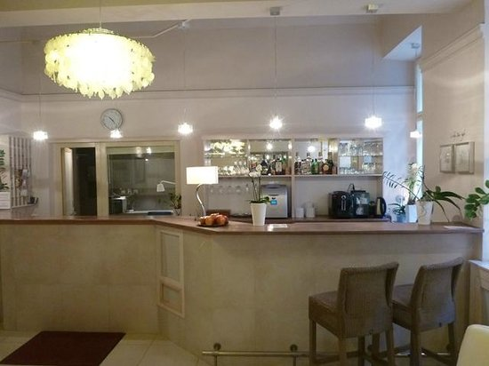 Unitas Hotel:                   Lobby bar