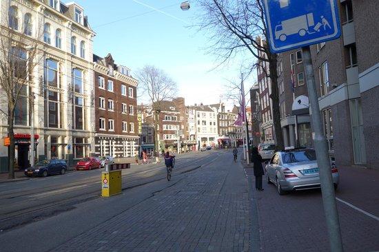 Avenue Hotel:                                                       Hotel street
