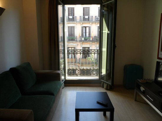 St. Jordi Apartments:                   Balcony doors open