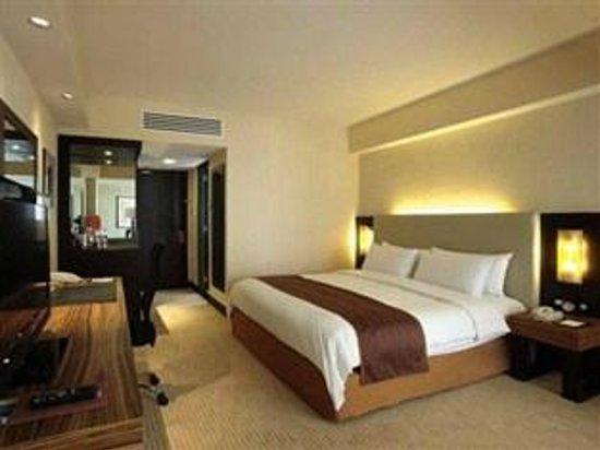 Hotel Jen Manila:                                     another angel