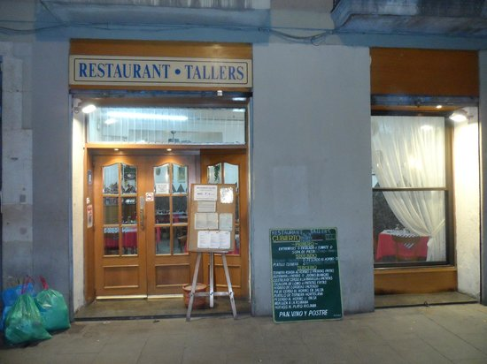 Tallers 76 :                                     The front of the restaurant